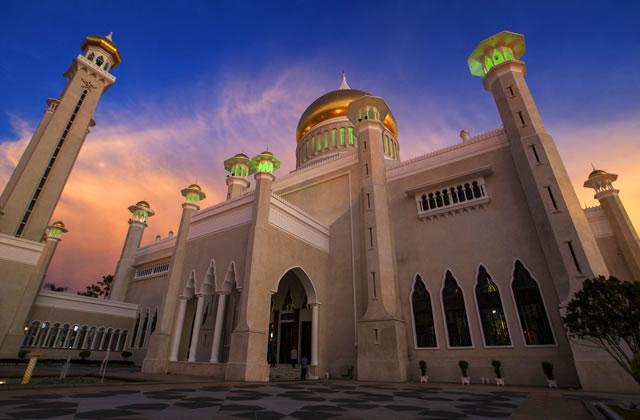 The Sultan Omar Ali Saifuddien Mosque