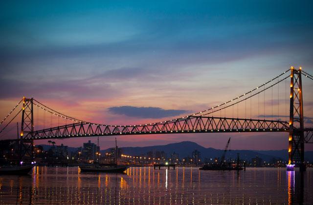 The Hercilio Luz Bridge, links Santa Catarina to mainland Brazil