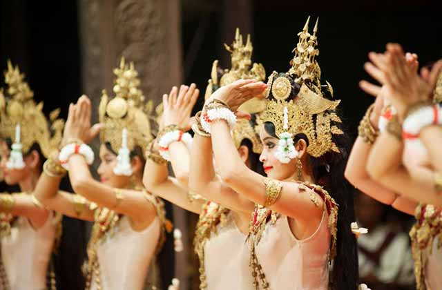Traditional Dancers, Siam Reap Apsara Theatre Restaurant | By Flight Centre's Ken Ng