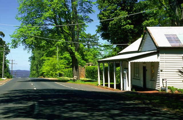 Stroll through the country towns in Daylesford and Macedonia Ranges.