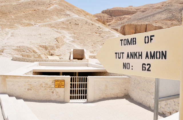 The Tomb of Tutankhamen, The Valley of the Kings