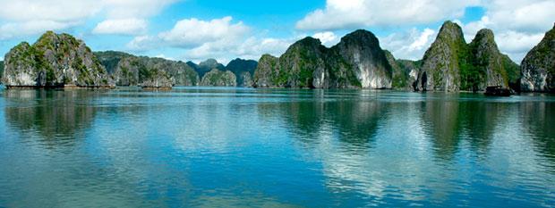 Halong Bay Tours, Vietnam