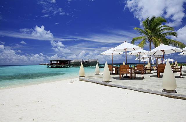 The beachfront at Centara Fushi Maldives
