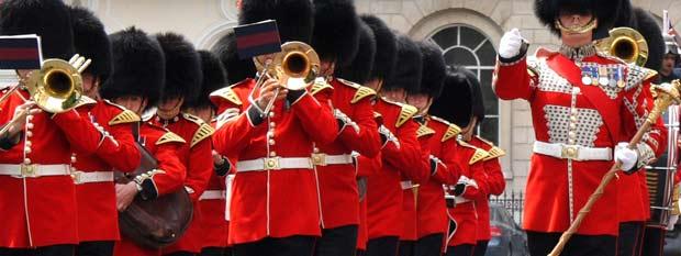 Buckingham Palace Guards Marching Band | London Destination Guide