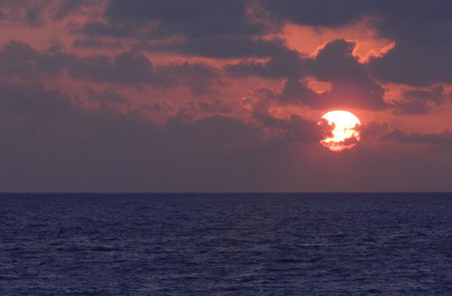 Sunrise over the Caribbean Sea, Mexico | by Flight Centre's Tiffany Apatu