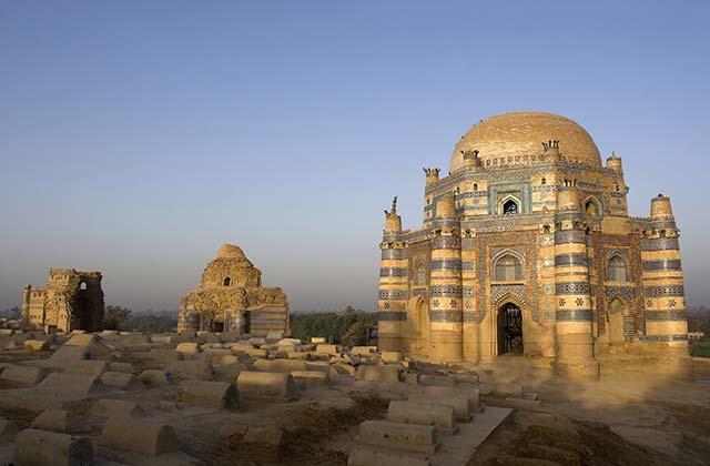 Tomb of Bibi Jawandi, Uch Sharif
