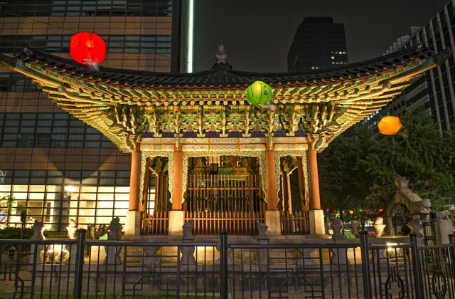 Temple, Downtown Seoul
