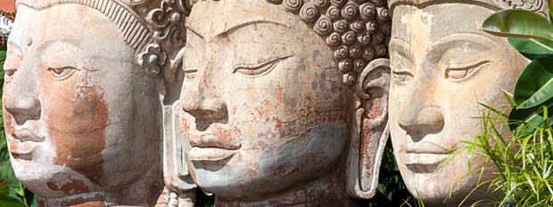Singapore Attractions | Three Buddha stone heads