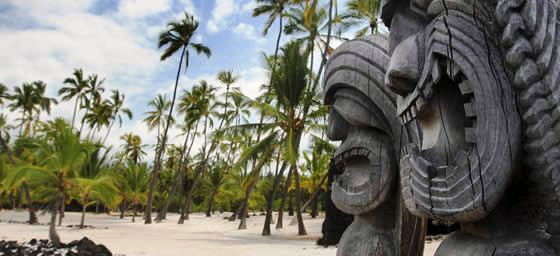South Pacific Ocean: Carvings